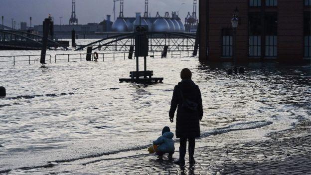 Hamburg flooding, 12 Jan 17