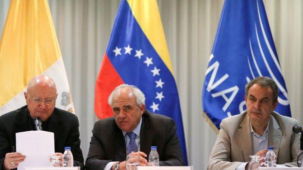 Los mediadores del diálogo entre gobierno y oposición en Venezuela