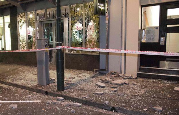Cristales rotos en Wellington, la capital de Nueva Zelanda, a 300 kilómetros del epicentro del terremoto.