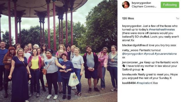 Bryony Gordon ve sosyal medya üzerinden iletişime geçerek kurdukları 'Mental Health Mates' grubu.