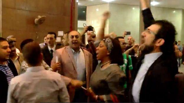 صورة لبعض من رفعوا الدعوى داخل مجلس الدولة