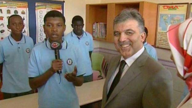 Eski Cumhurbaşkanı Abdullah Gül, Nairobi'de okul açılışında.