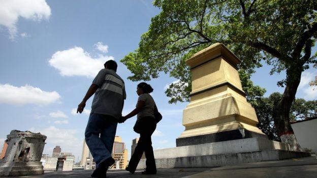 Pedestal en el que estaba otra estatua de Colón