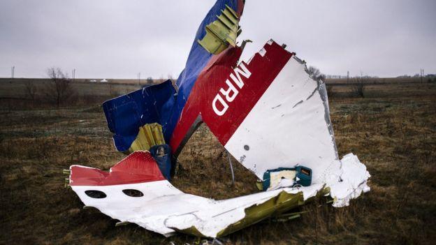 Restos del avión de Malaysia Airlines derribado en 2014