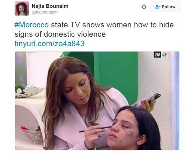 Najia Bounaim de Amnistía Internacional tuiteó una imagen de la emisión en la televisión marroquí en la que una maquilladora cubría signos de violencia doméstica en la modelo.