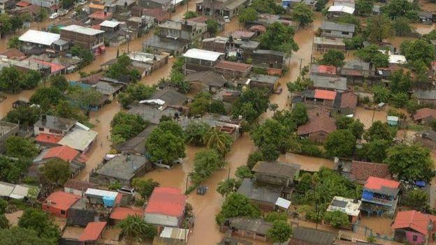 Calles inundadas en Benito Juárez