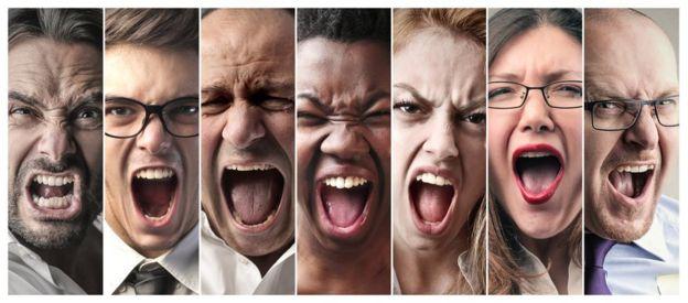 Fotos de ocho personas diferentes gritando