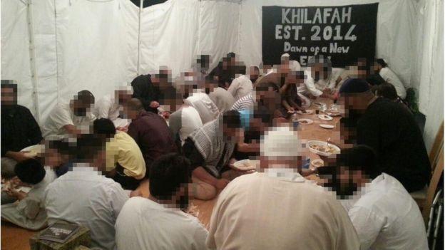 Шатер в Лутоне, в котором исламисты собирались, чтобы обсудить и отпраздновать известия о терактах