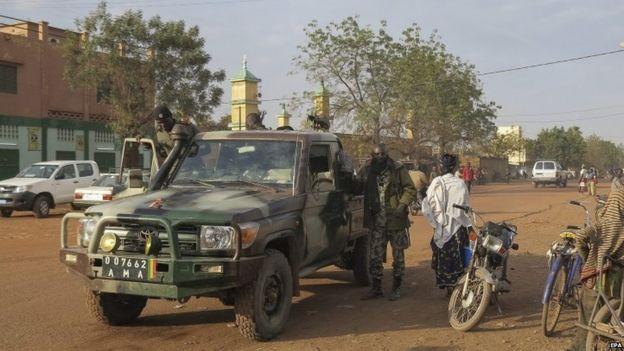 Malian forces patrolling Sevare - January 2013