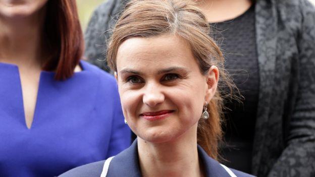 Jo Cox junto a otras mujeres laboristas.