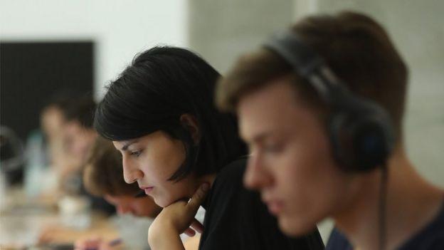 Ainda é grande a diferença nos salários pagos a mulheres e homens no Brasil