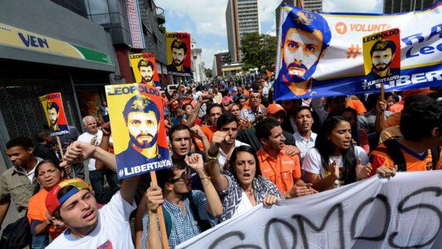 Manifestantes piden la liberación de Leopoldo López