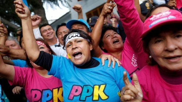 Seguidores del partido PPK celebraron ya como una victoria definitiva el resultado del escrutinio, pese a no ser definitivo.