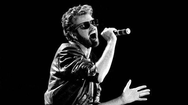 В 1985 году вместе с другими звездами Джордж Майкл выступил на концерте Live Aid на стадионе Уэмбли