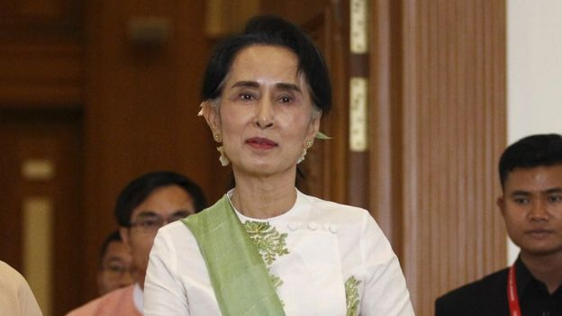 National League for Democracy (NLD) party leader Aung San Suu Kyi leaves the parliament building after a meeting with members of her party in Naypyitaw, Myanmar 28 March 2016
