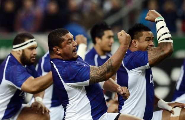 Samoa's players perform the haka during the rugby union Test match France vs Samoa at the Stade de France on November 24, 2012 in Saint-Denis, north of Paris
