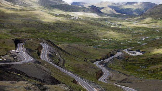 Carretera en la sierra peruana
