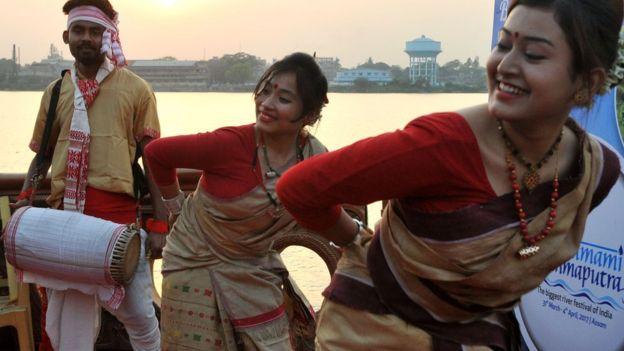 மகிழ்ச்சி அறிக்கையில் 122-ஆவது இடத்தில் இந்தியா,