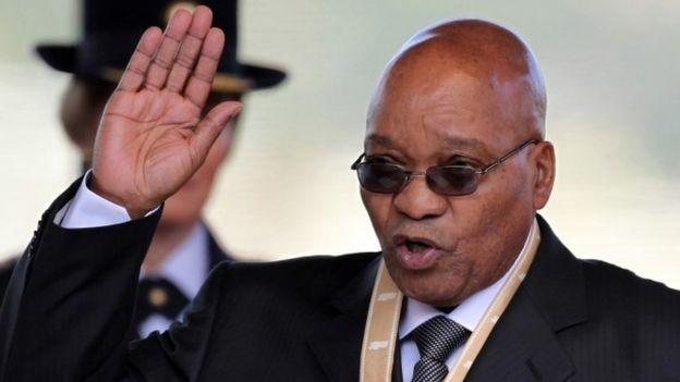 Jacob Zuma being sworn in in 2009