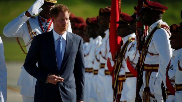 """Принц Гарри начал """"полное развлечений"""" турне по Карибским островам - Фото"""