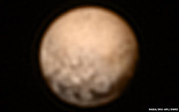 Pluto probe 'on course' for flyby...