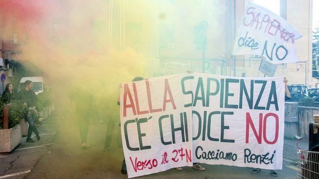 Manifestación estudiantil en la Universidad Sapienza de Roma el 22 de noviembre de 2016