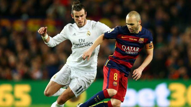 Gareth Bale contra Andrés Iniesta