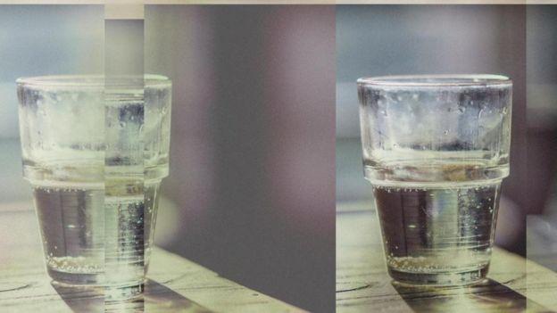 Un vaso medio lleno y otro medio vacío