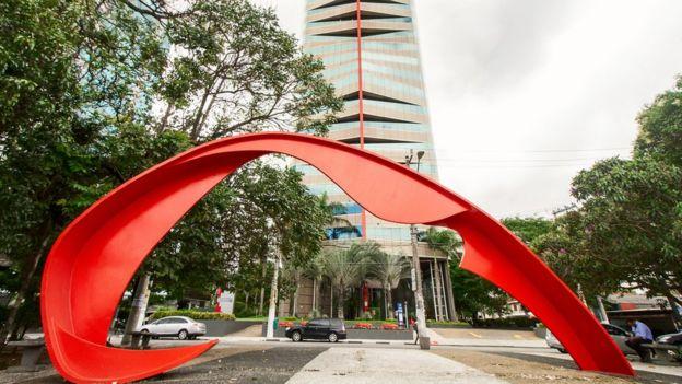 Escultura em Aço Carbono