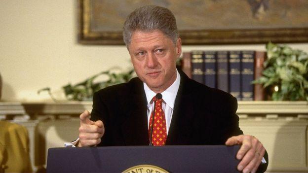 Bill Clinton niega su relación con Monica Lewinsky, 1998