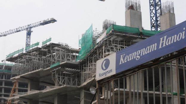 The construction site of the Keangnam Hanoi Landmark Tower is seen in Hanoi on July 30, 2009. Construction on the tower that is to be Vietnam's tallest building has been suspended after seven workers died or were hurt in less than a week