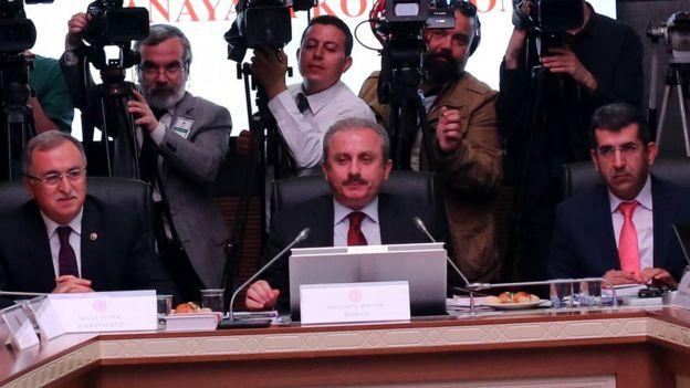 Meclis Anayasa Komisyonu Başkanı AKP'li Mustafa Şentop