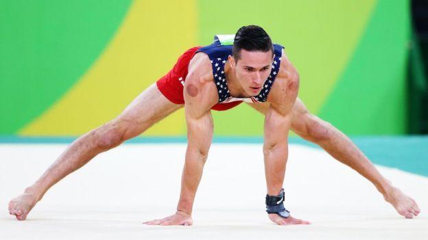 Phelps arranca con calma en los 200 estilos