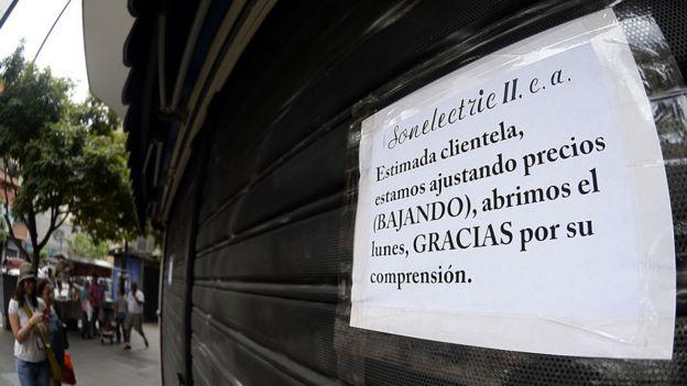 Afiche sobre los precios justos en Venezuela