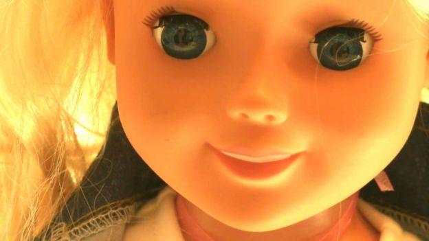 Retiran muñeca inteligente del mercado alemán por ser acusada de espionaje — Increíble