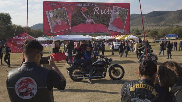 Motociclistas en la fiesta