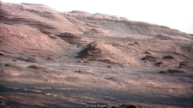 عکسهایی که ناسا از مریخنورد خود منتشر کرد به نظریههای توطئه دامن زد