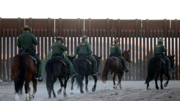 Guardias fronterizos de Estados Unidos.