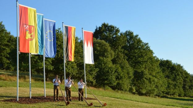 Westerngrund celebra su estatus como centro de la EU.