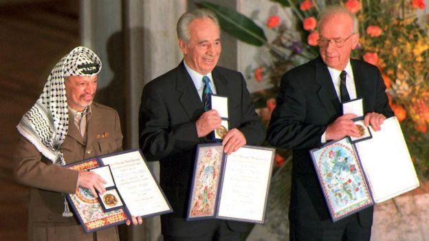 Yaser Arafat, Shimon Peres y Yitzhak Rabin.