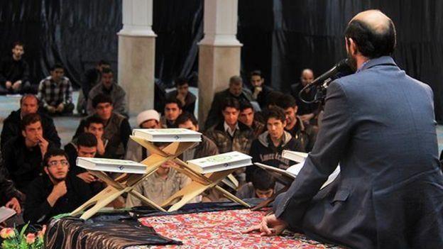 سعيد طوسي يعد أحد ابرز المقرئين للقرآن في إيران