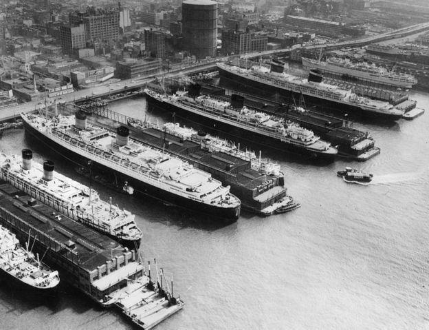 El puerto de Nueva York en la década de 1950.