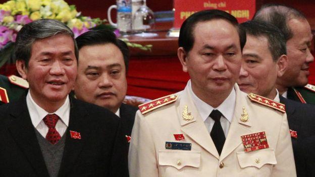 Ông Đinh Thế Huynh (trái) và ông Trần Đại Quang là ứng viên cho vị trí Tổng bí thư sắp tới?