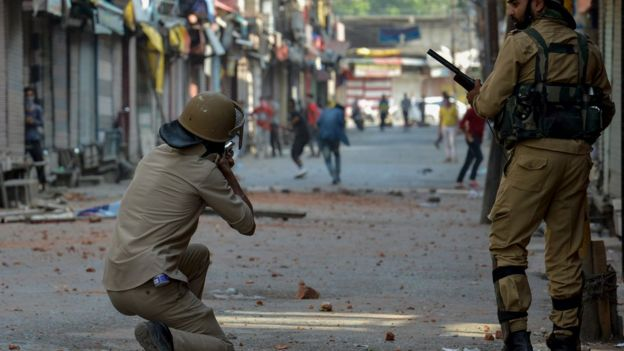 Kashmir clashes over militant leader leave 30 dead