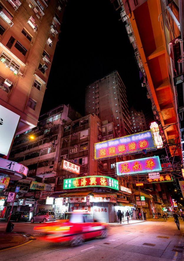 作品的關注點放在香港的老城區,當中有旺角、油麻地、北角和鲗魚湧等。