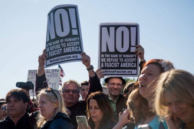 راهپیمایی اعتراض آمیز