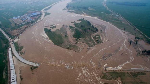 Campos inundados en la provincia de Hebei, China