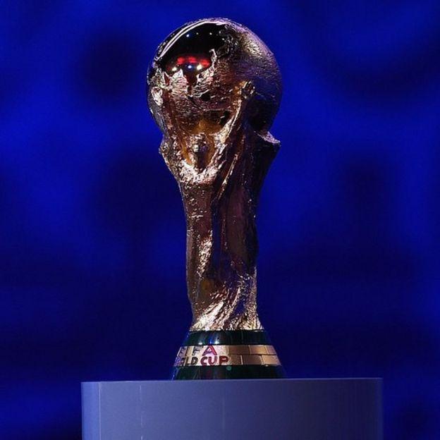 Trofeo de la copa del mundo de fútbol.