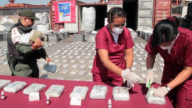 Pese a las acusaciones, Venezuela presume de las incautaciones de droga que realiza. | Foto: AFP