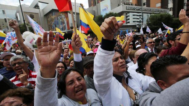 Protesta en el CNE de Quito.